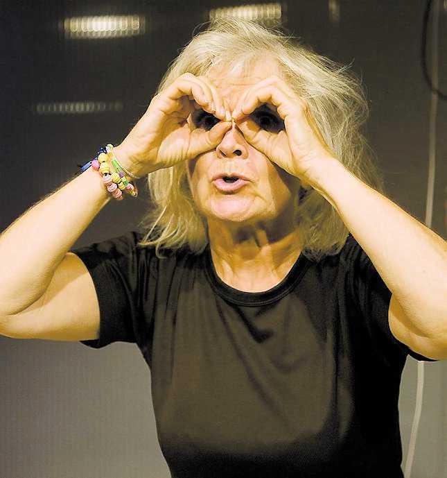 """Anita Wall i Kristina Lugns """"Rena rama verkligheten""""."""