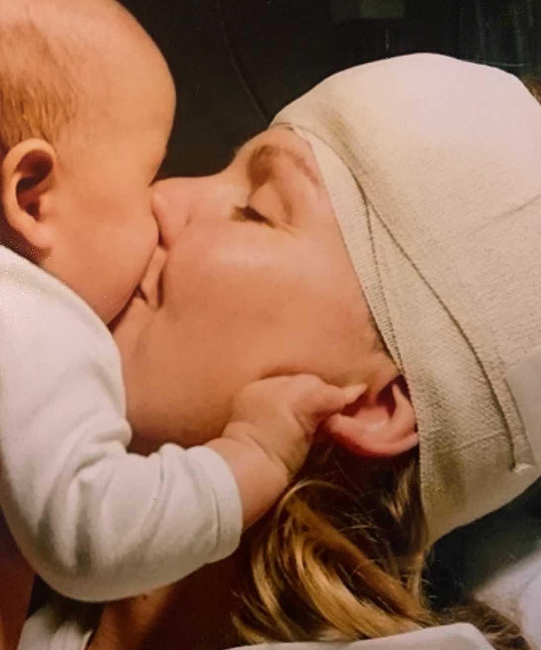 """""""Första tiden som mamma var inte som jag tänkt mig""""."""