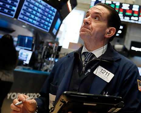New York-börsen skenar trots att företagens investeringar är de lägsta på 160 år. Hur är det möjligt? Mattias Svensson har läst två böcker som ger svar som förskräcker.