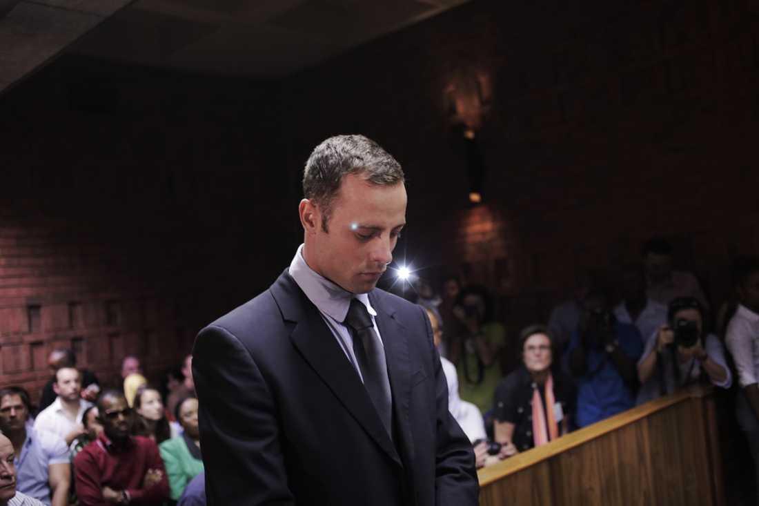 Oscar Pistorius på plats under borgensförhandlingarna, femte dagen i rätten. Foto: Felix Karlsson