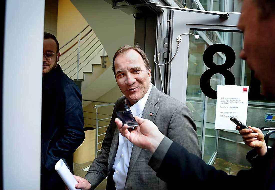 Bara två procent av den stora mängd medieutrymme som Stefan Löfven (S) har fått har varit negativ.