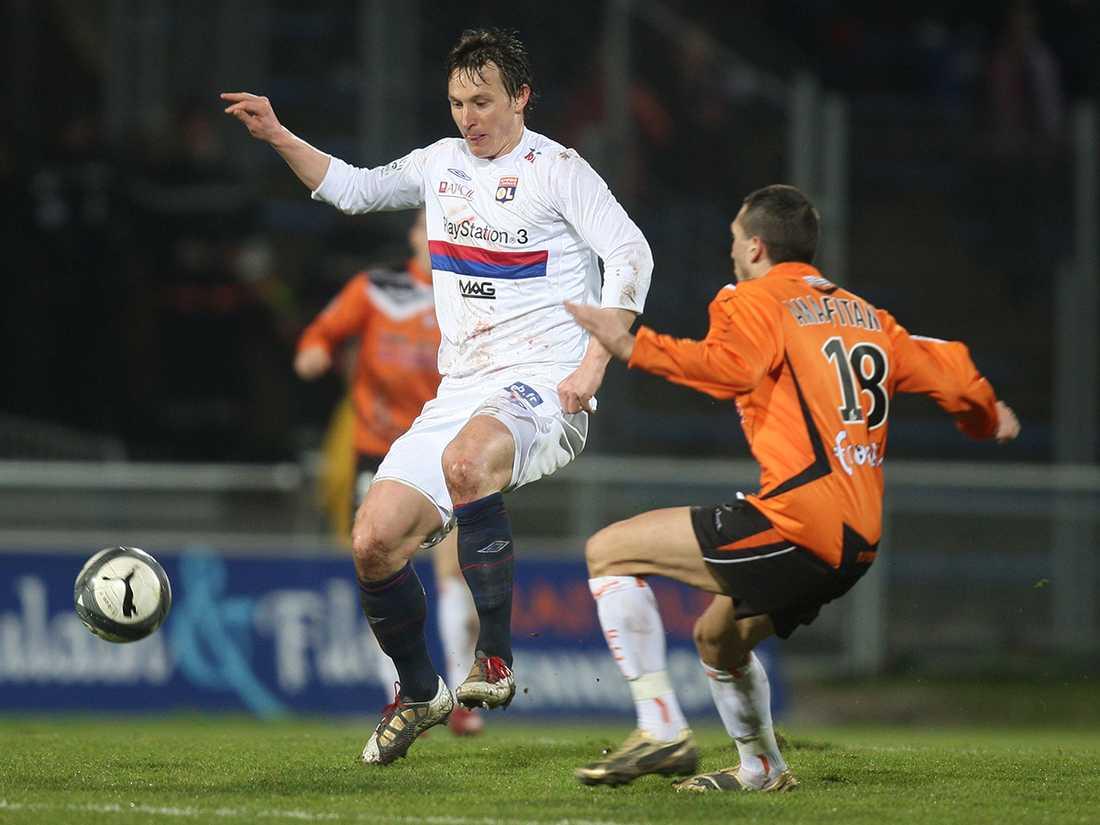 Efter tre säsonger i Rennes skrev Källström på för toppklubben Lyon där han spenderade flera säsonger. Foto: David Vincent/AP.