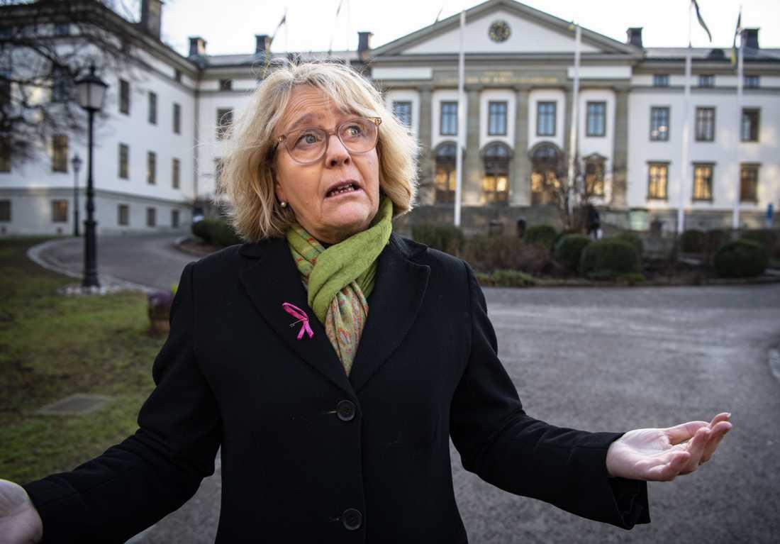 Irene Svenonius är ytterst ansvarig för för vårdkrisen i region Stockholm.