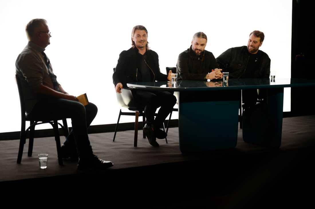 Swedish house mafia på presskonferens.