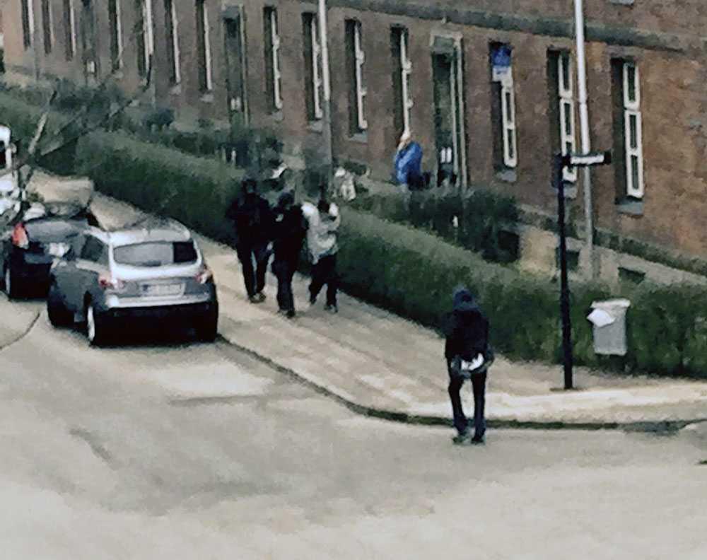 En person grips i samband med polisens insats.