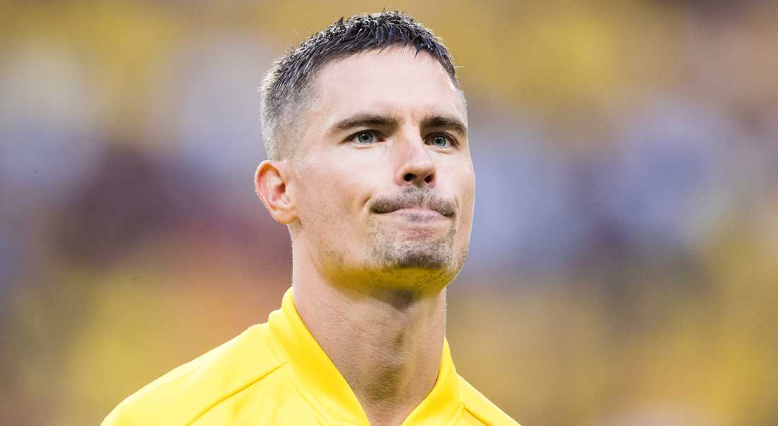 Malmö har nobbat Mikael Lustig, enligt Sportbladets uppgifter.