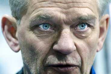 SANNINGENS ÖGONBLICK Hardy Nilsson är - statistiskt - Tre Kronors näst sämste förbundskapten genom tiderna. Får han äntligen en fullträff i Prag?