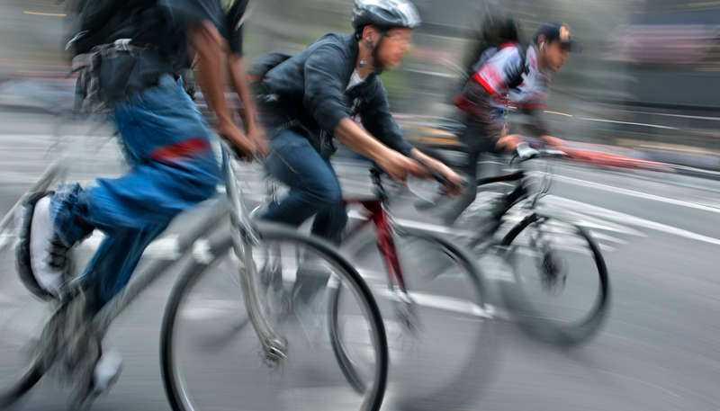 Man har problem när man tänker om man jämför människor i cykelbyxor med en av historiens mest förtryckta grupper