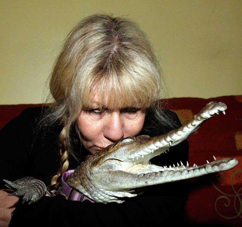 Puss min reptil Vicki valde Johnie före maken Greg. Anledningen? Makar kan se efter sig själva.