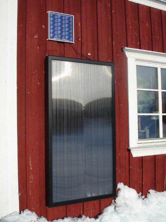 Tage har bland annat installerat solceller på huset för att få ner kostnaden.