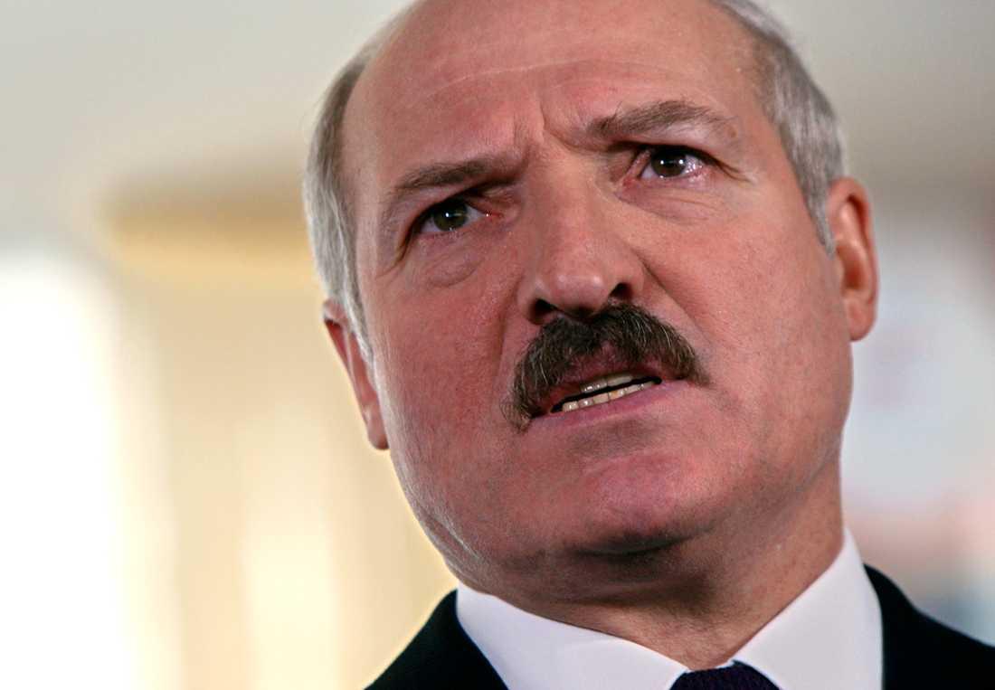 Aleksander Lukasjenko väljer själv med hur mycket han ska vinna valet.