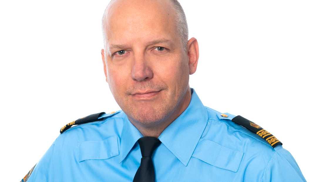 Polisens presstalesperson, Jonas Eronen, hoppas på napp när videobilderna nu släpps.