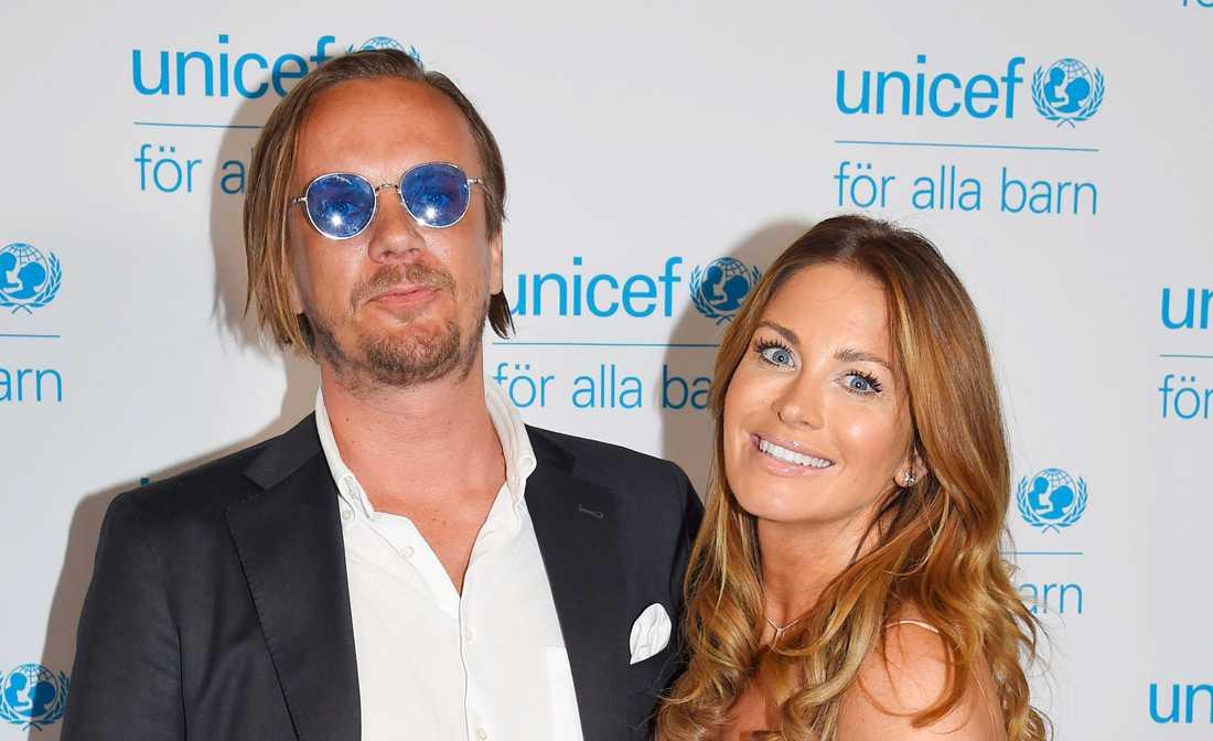 Viktor Philipson och Carolina Gynning gjorde nyligen slut.