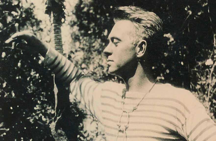 För första gången finns nu dikter av den amerikanska modernismens stjänskott Hart Crane (1899–1932) på svenska. Välkommen! önskar Carl-Michael Edenborg.