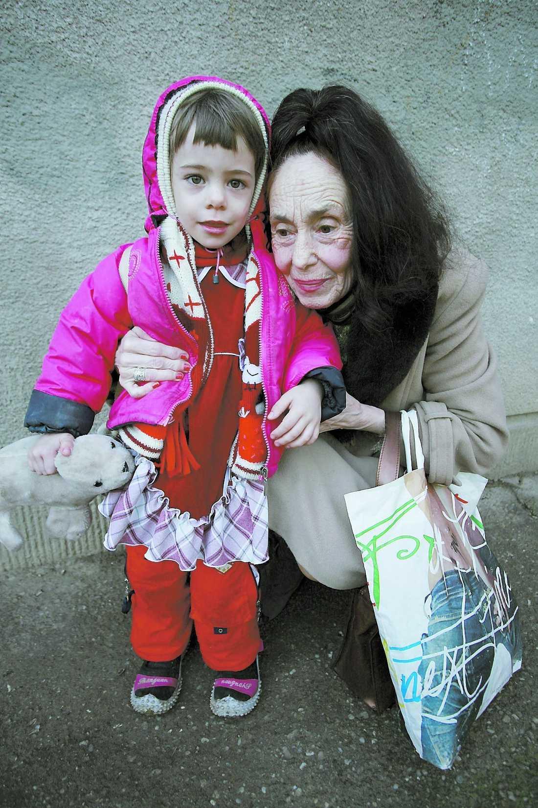 efterlängtad Adriana Iliescu genomgick flera påfrestande fertilitetsbehandlingar innan hon lyckades bli mamma till lilla Eliza.