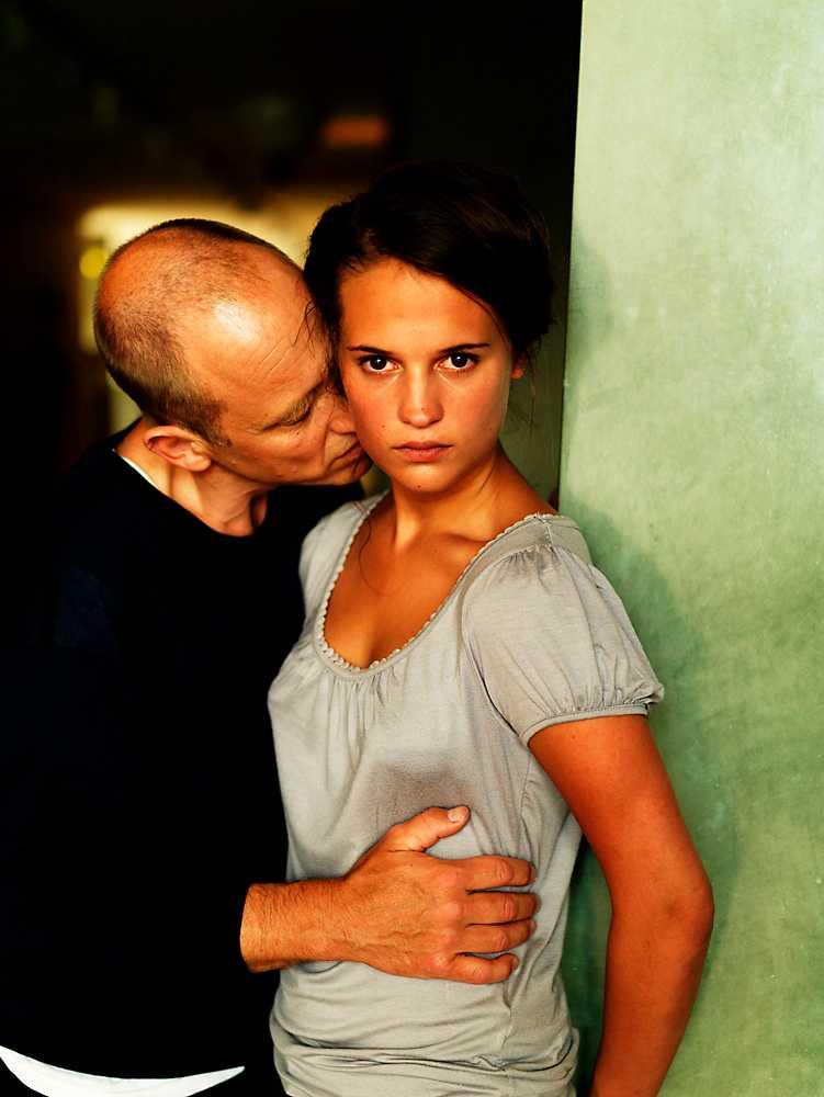 """Med Samuel Fröler i """"Till det som är vackert"""" 2009. Vikander fick en Guldbagge för rollen."""