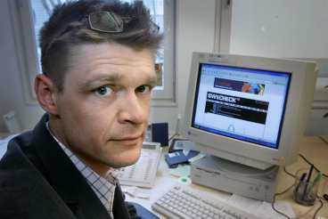 HATAD Henrik Pontén, jurist på Antipiratbyrån är förmodligen Sveriges mest hatade man just nu. Enligt honom begår minst 200000 svenskar brott genom att lägga ut filmer på internet.