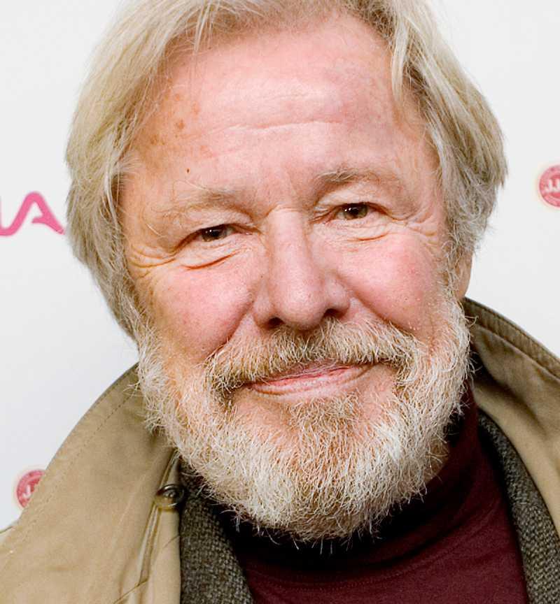 Sven Wollter är en av dagens 32 debattörer.