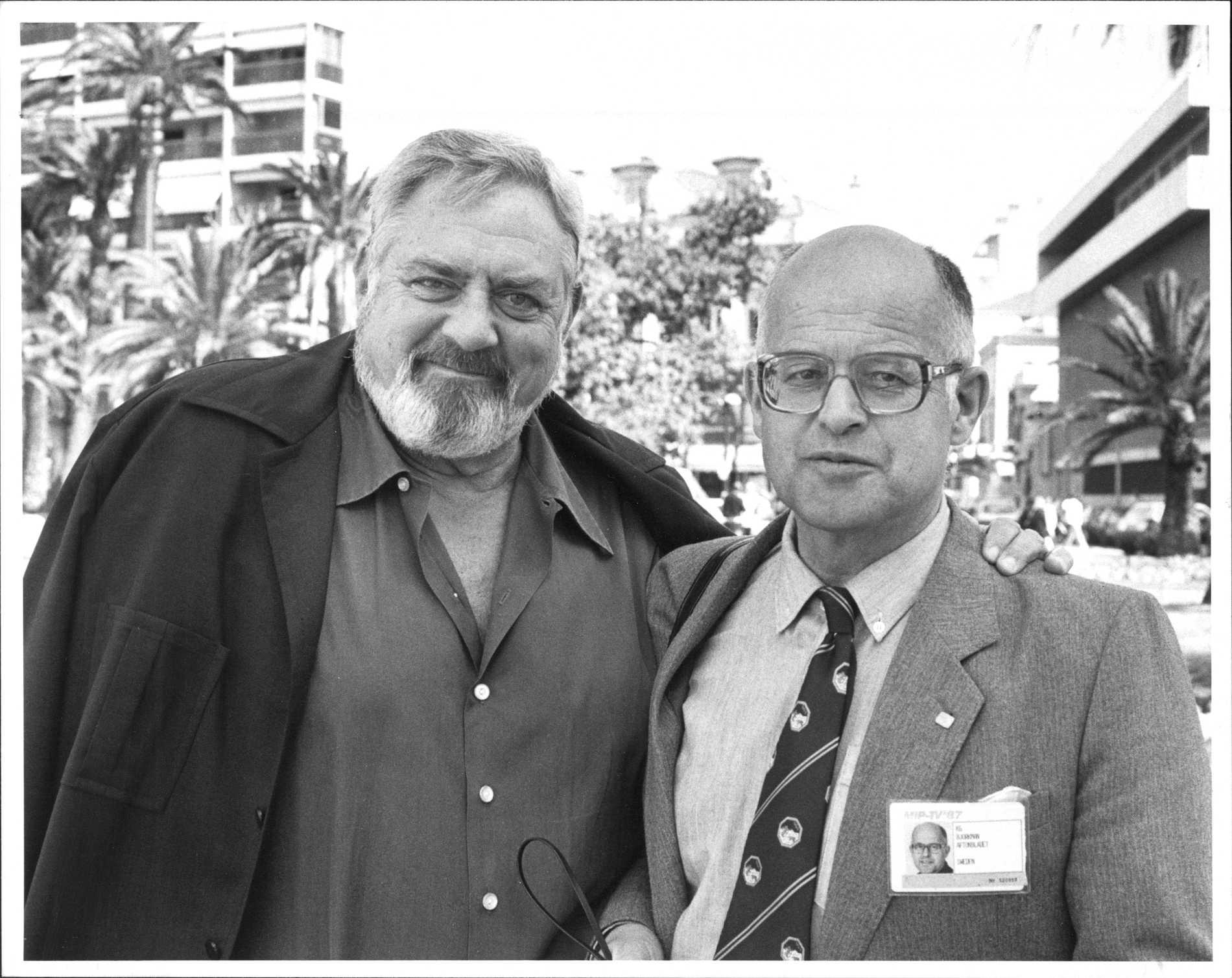 KG Björkman ihop med kanadensiska skådespelaren Raymond Burr 1987.