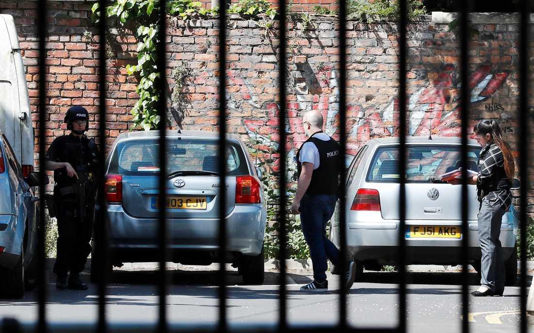 Polisen gör gripanden i samband med terrorattacken i Chorltonområdet,  Manchester.