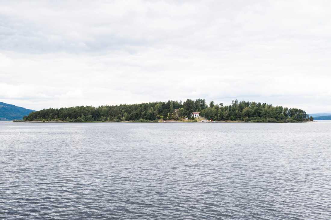Terrorattackerna i Norge 22 juli 2011 föreslås bli en del av den norska läroplanen. På Utøya dödades 69 personer, merparten av dem barn och ungdomar. Arkivbild.