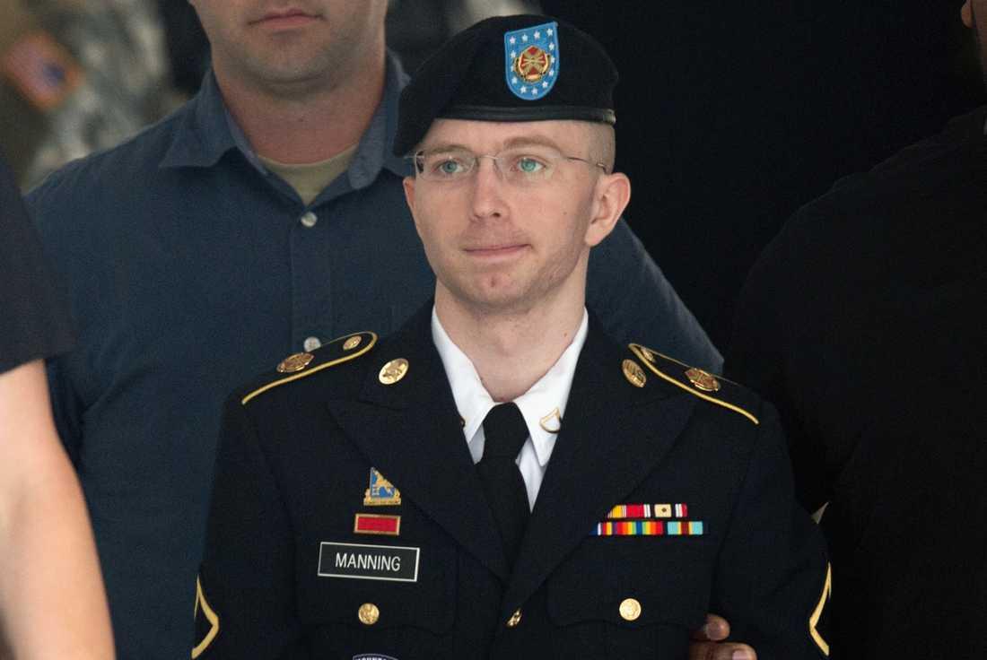 Chelsea Manning, som då gick under förnamnet Bradley, dömdes 2013 till 35 års fängelse för bland annat landsförräderi.