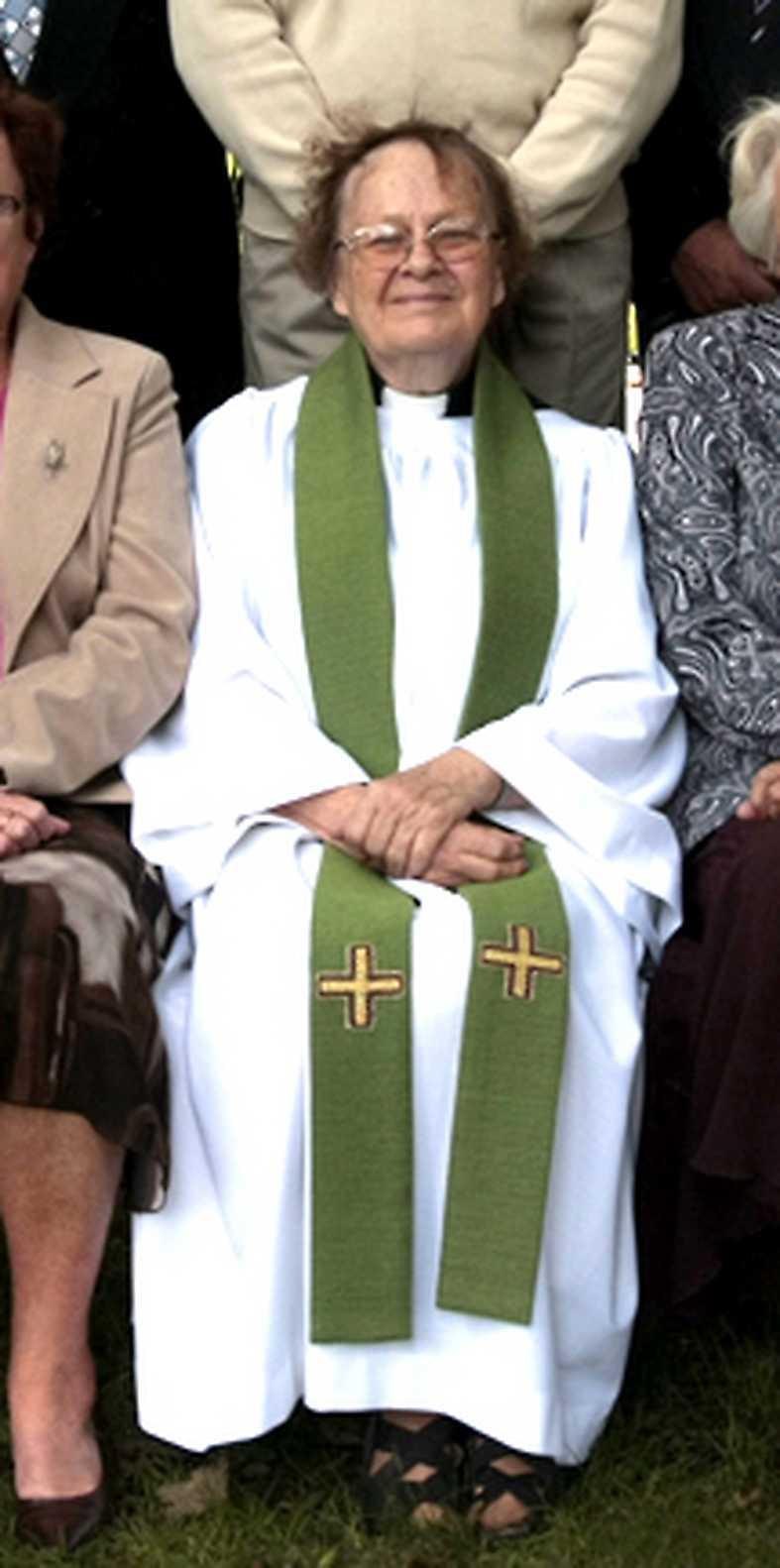 söks med helikopter Silleruds församling har varit Kerstin Segerbergs liv i många år. Hon var tidigare kyrkoherde. Sedan den 15 december är hon spårlöst borta.