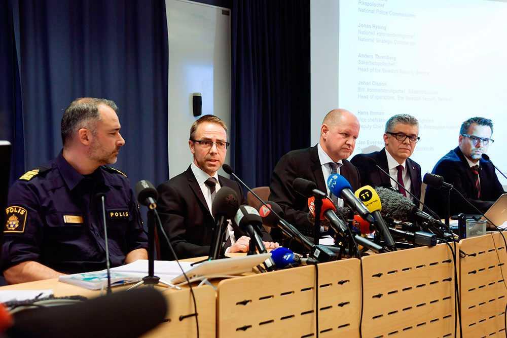 Polisens presskonferens på söndagen.