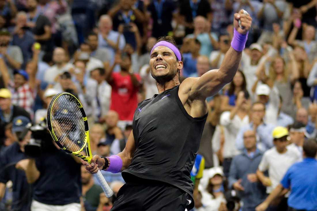 Rafael Nadal firar segern över Marin Cilic.