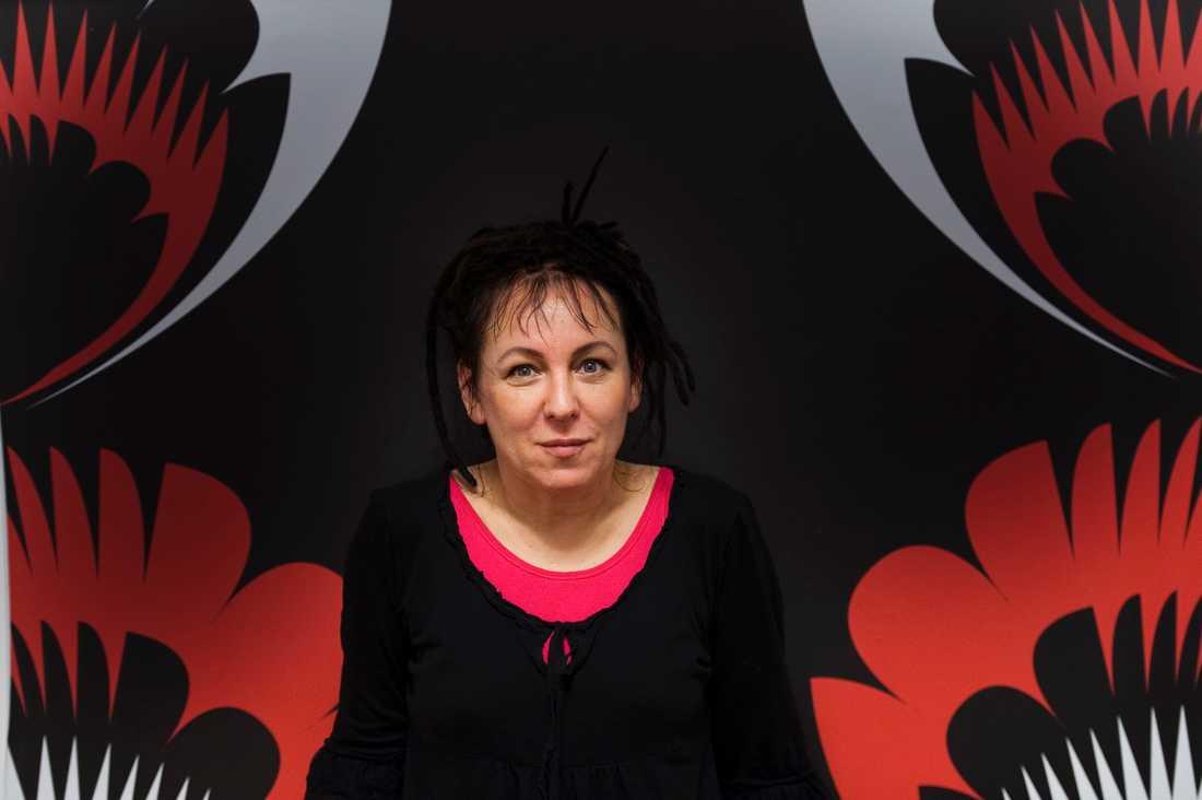 Den polska författarinnan Olga Tokarczuk tilldelas 2018 års Nobelpris i litteratur.