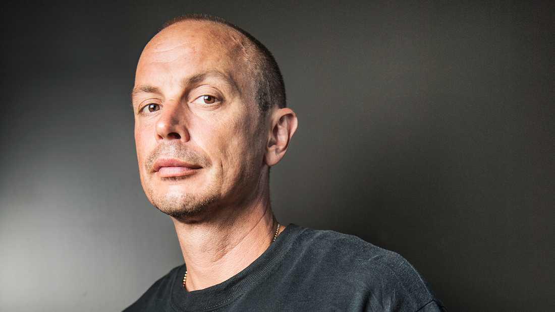 """""""Att bo supercentralt och gnälla på ljud rimmar inte"""", skriver rapparen Petter."""
