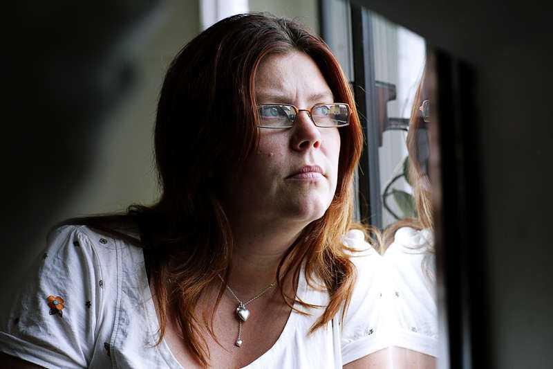 FÖRLORADE MÅLET Carina Höglund stämde staten på grund av polisens hantering av mordet på Pernilla Hellgren. Om gärningsmannen Anders Eklund hade gripits kunde hennes dotter Engla varit vid liv i dag. Carina Höglund förlorade målet och nu måste hon stå för alla kostnader själv.