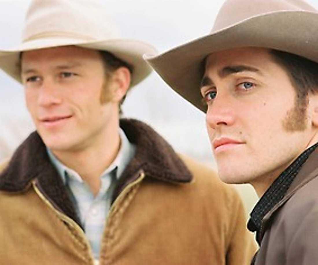 "Ledger och Gyllenhaal i ""Brokeback mountain""."