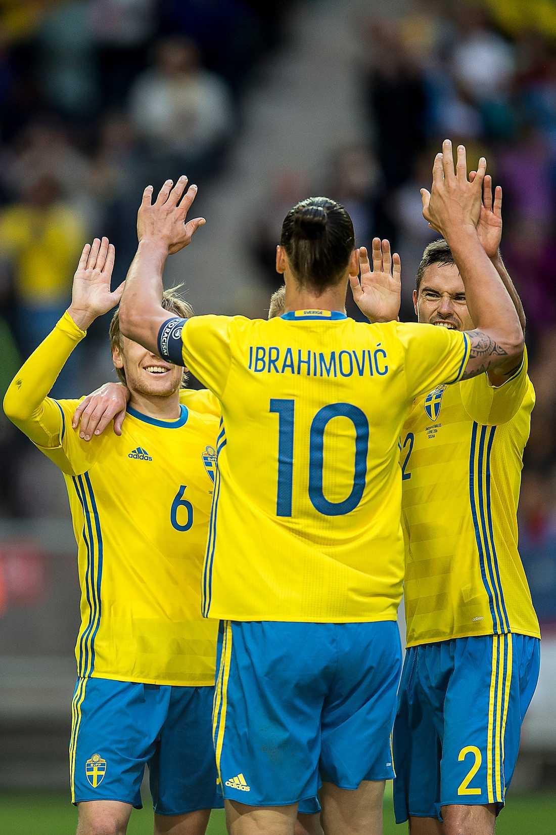 Idag börjar fotbollsfesten EM i Frankrike är en motkraft mot det växande främlingshatet, skriver Johanna Frändén. Det svenska anseendet bärs av en superstjärna med rötter i Jugoslavien och i flera länder har hälften av spelarna invandrarbakgrund.