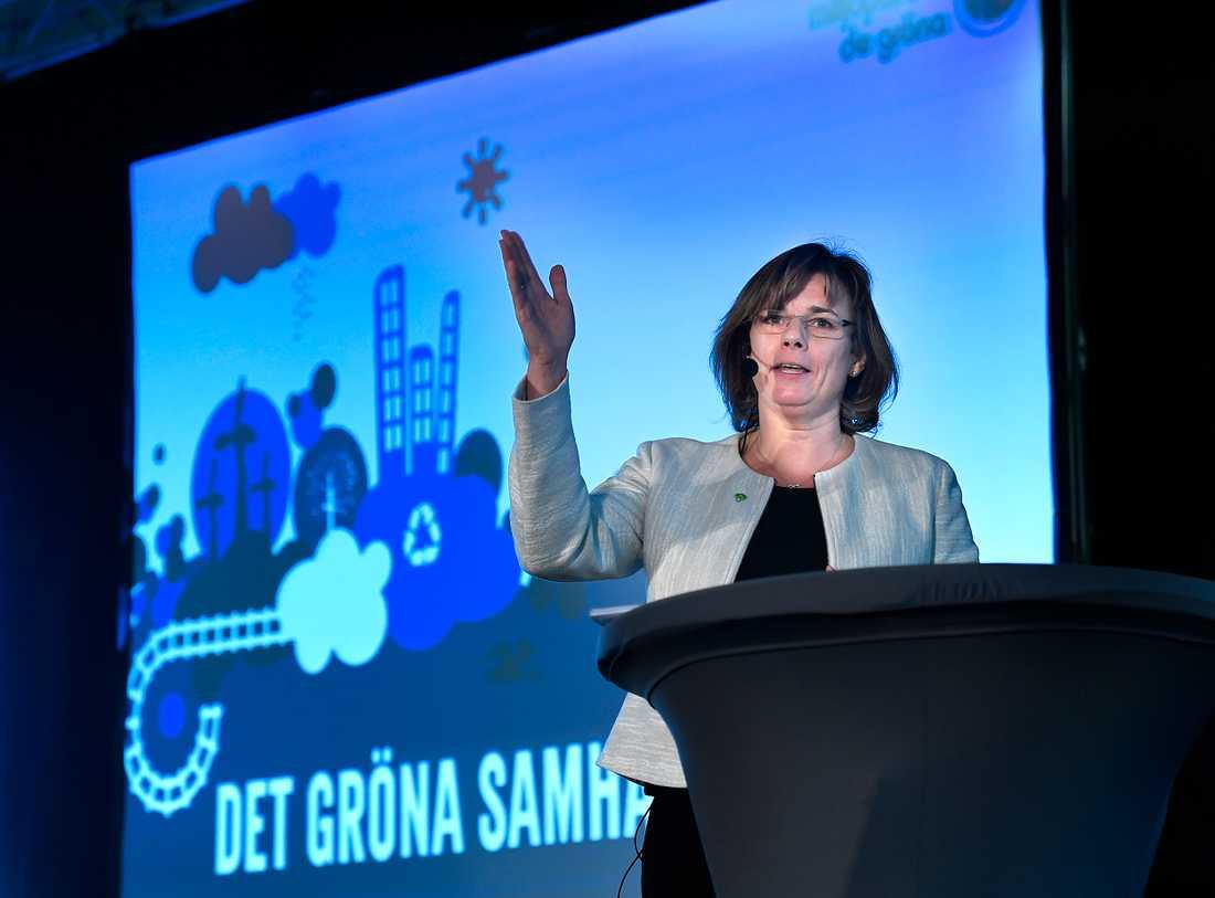 Miljöpartiets kommun- och landstingsdagar i Sundsvall inleddess med tal av språkröret Isabella Lövin på lördagen.