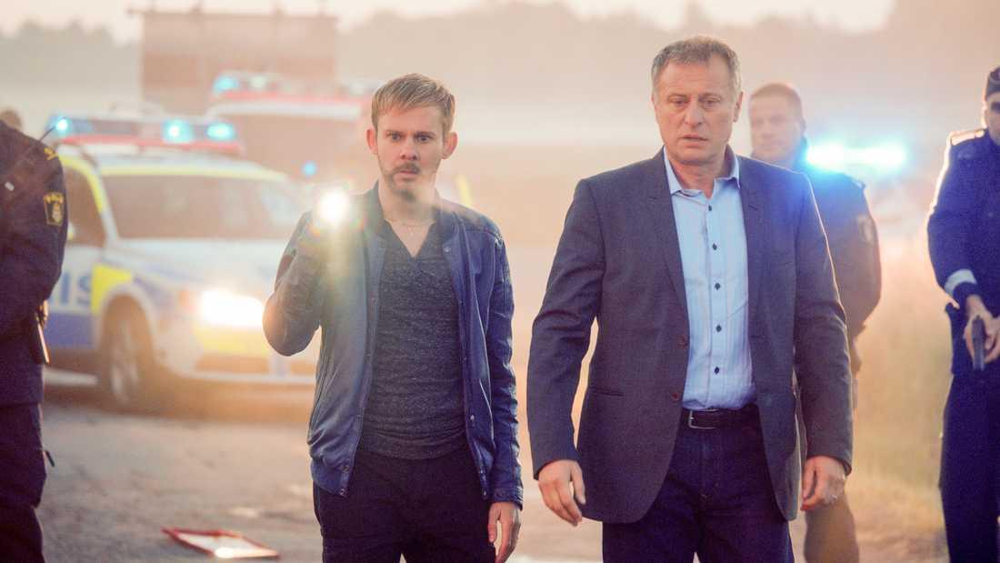 """Michael Nyqvist i serien """"100 Code""""."""