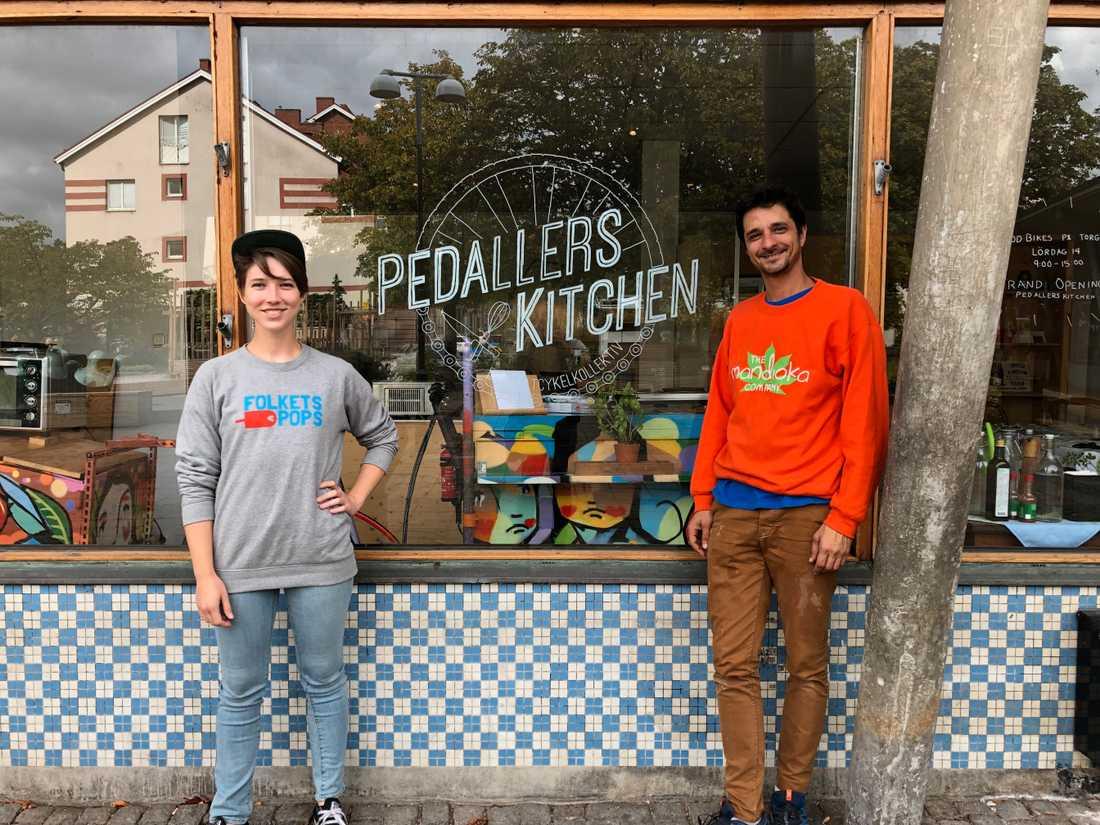 Michelle Saunders och Fábio Saraiva Schott är två av tre kollektivets medlemmar.