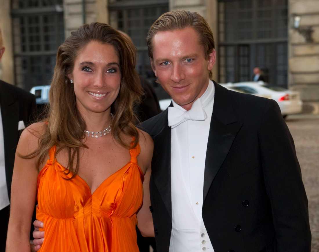 Gustav Thott blir fadder till prinsessan Adrienne. Här med fru Louise Gottlieb.