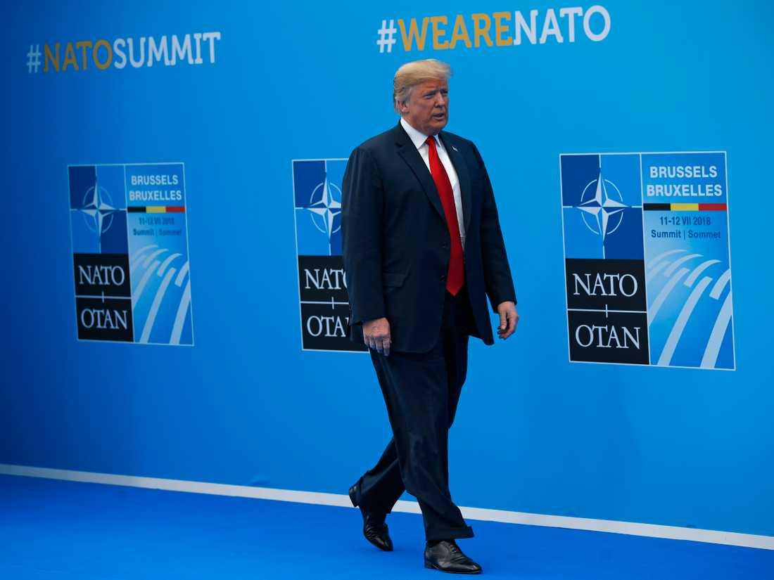 Mitt under pågående toppmöte sa Trump att USA lämnar Nato om inte de allierade ställer upp på hans krav.