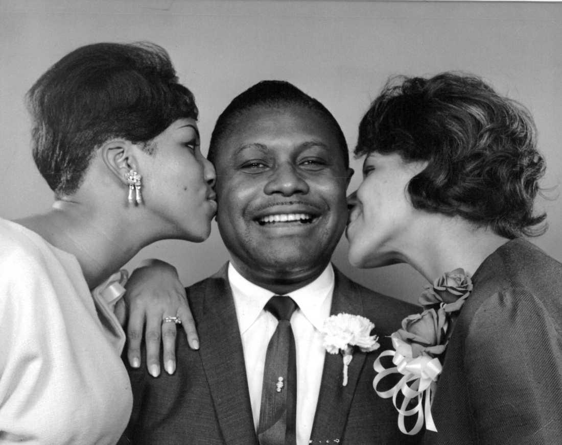Pastor C L Franklin med sina döttrar Aretha (till vänster) och Carolyn.