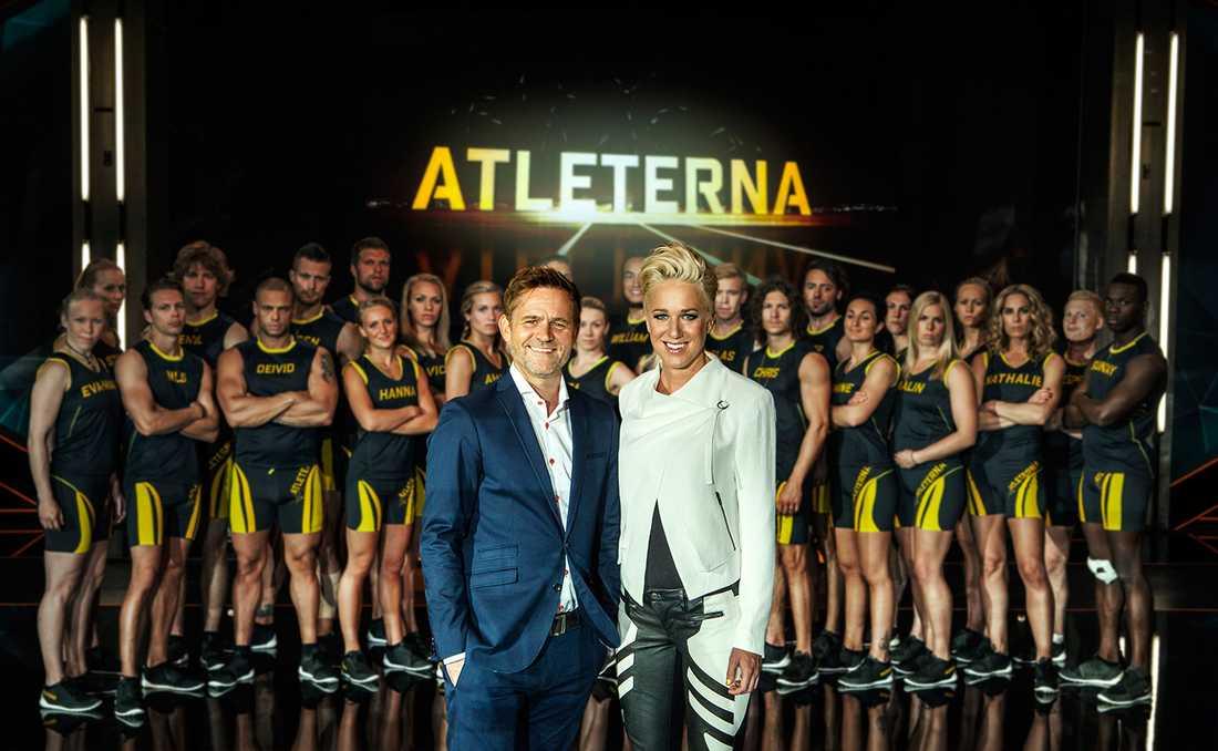 Tidigare ledde Rickard Olsson programmet tillsammans med Kajsa Bergqvist.