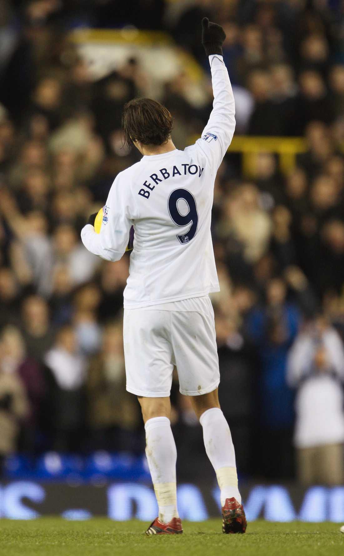 Dimitar Berbatov lämnar Tottenham för Manchester United.