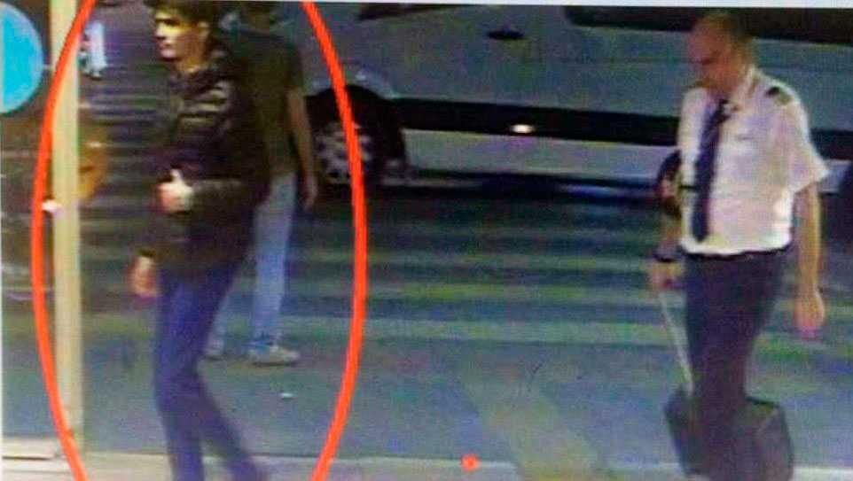 Den inringade mannen uppges vara en av terroristerna.