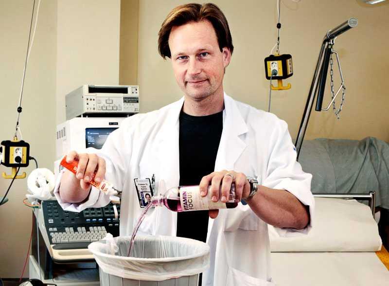 Professor Fredrik Nyström förklarar krig mot grönsaker, motion och vitamintillskott.