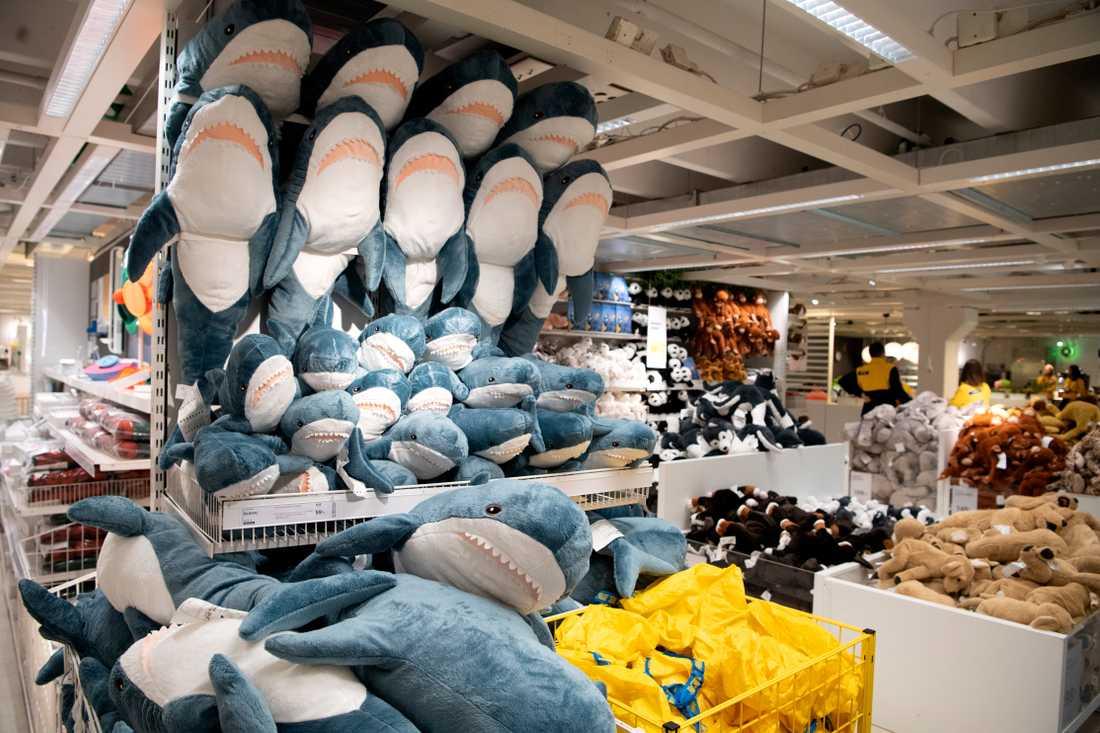 Två flickor gömde sig för väktarna inne på Ikea-varuhuset i Malmö och försökte övernatta i varuhuset. Bilden är en genrebild.