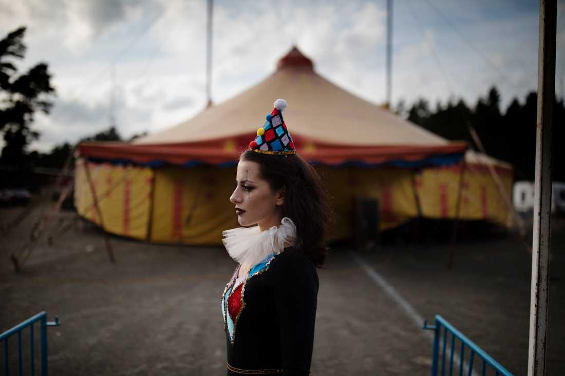 Simona Danailova Rhodin är sjunde generationens cirkusprinsessa. Pressbild.