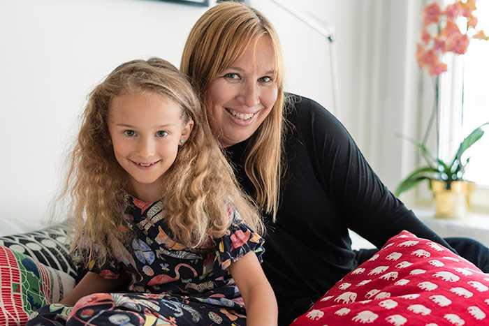 Louise, 44 och Lykke, 7 som bor på Liljeholmskajen i Stockholm har förvandlat sin tvåa till en trea.