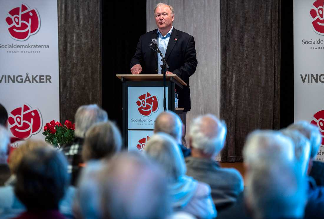 Tidigare statsministern Göran Persson höll tal på första maj i Folkets hus i sin födelseort Vingåker i Södermanland.