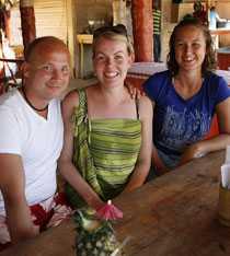 Joel Nurmilampi, Erica Nurmilampi och Sara Celvin turistar på egen hand i Dominikanska republiken –och är helnöjda med resan.