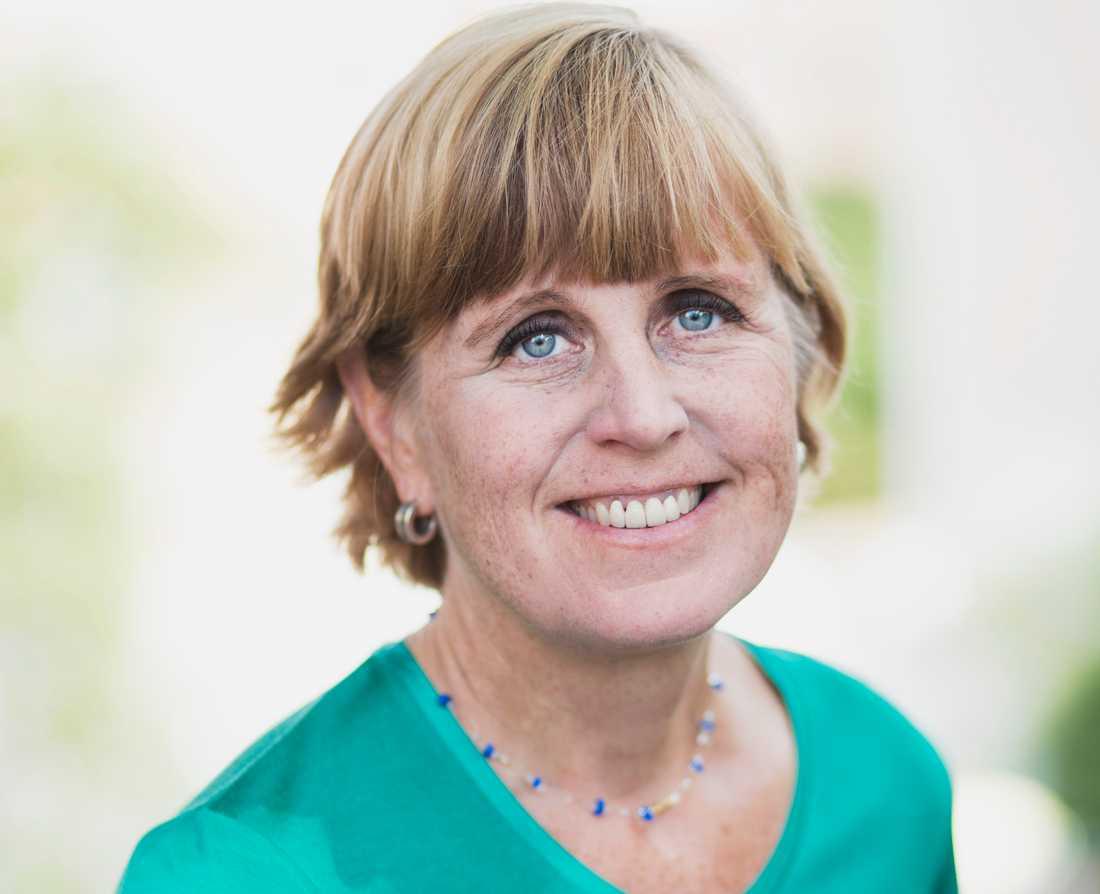 Lena Ingelstam, internationell chef på Rädda Barnen, är kritisk till utrikesministerns agerande.